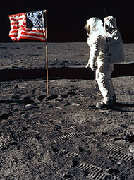 Apollo 11: Buzz Aldrin and the U.S. flag on the Mo
